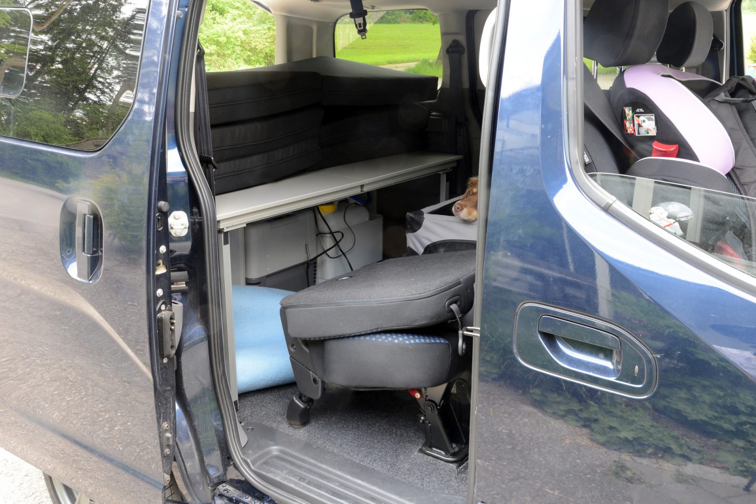 nissan nv200 vanessa mobilcamping. Black Bedroom Furniture Sets. Home Design Ideas