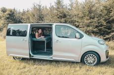Citroen Spacetourer, Peugeot Traveller, Opel Zafira Life und Toyota Proace Verso