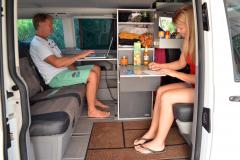 27_Innenraum_VW Bus_Campervan