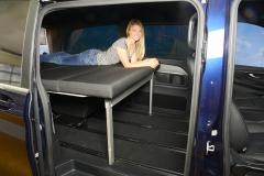 08_Schlafsystem Van im Mercedes Bus